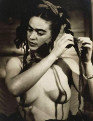 Frida Khalo por Julian Levy